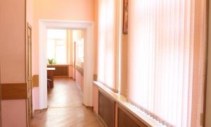 Мещанский ЗАГС - коридор у кованой лестницы